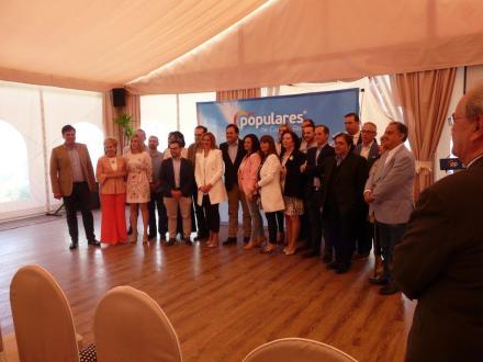 Foto Presentacion candidatura PP Valdepeñas Elecciones Municipales 2019 con antonio jesus almarza garcia numero 2 enlace a video valderec